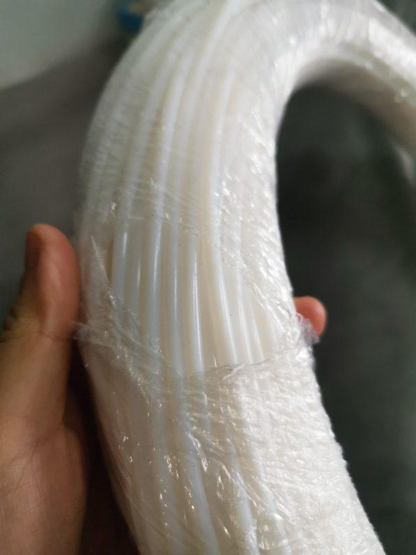 Ống nhựa teflon